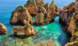 côte rocheuse de l'Algarve