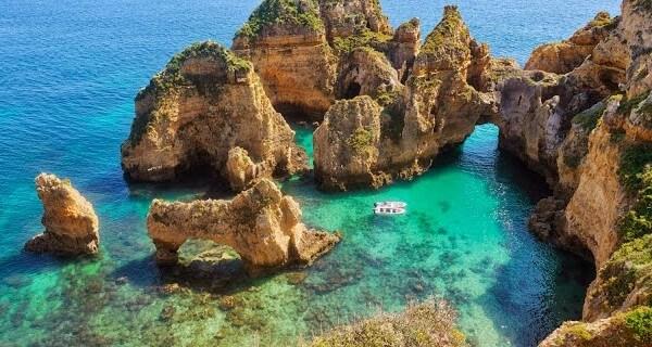 Portugal-Ponta-da-piedade-e1456860808723-1